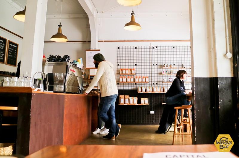 ウェリントンの町外れのニュータウンにある、小さなカフェ
