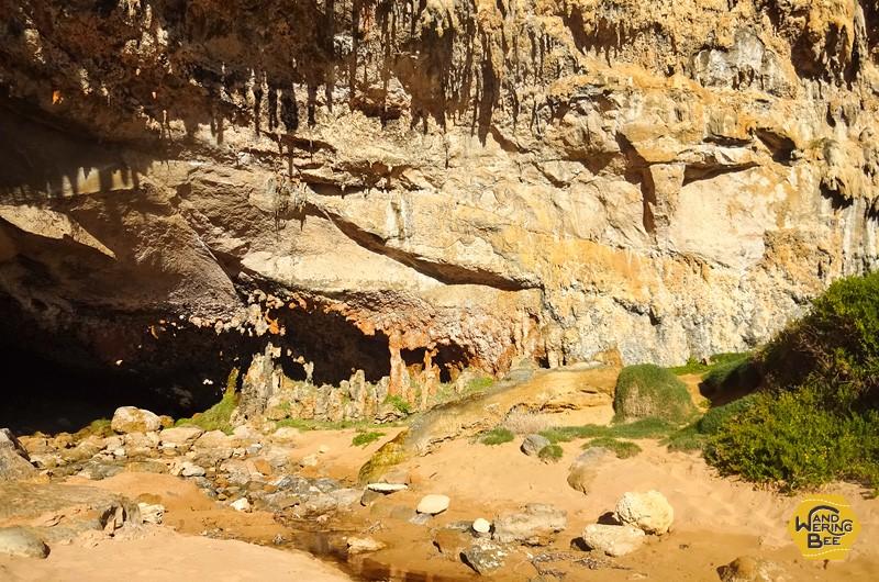 浸食で出来た奇形岩はなかなかの迫力