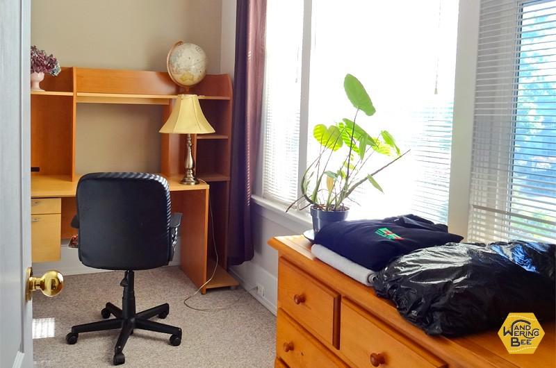 カナダで住んでいたお部屋(ここは、かなり大きい方)