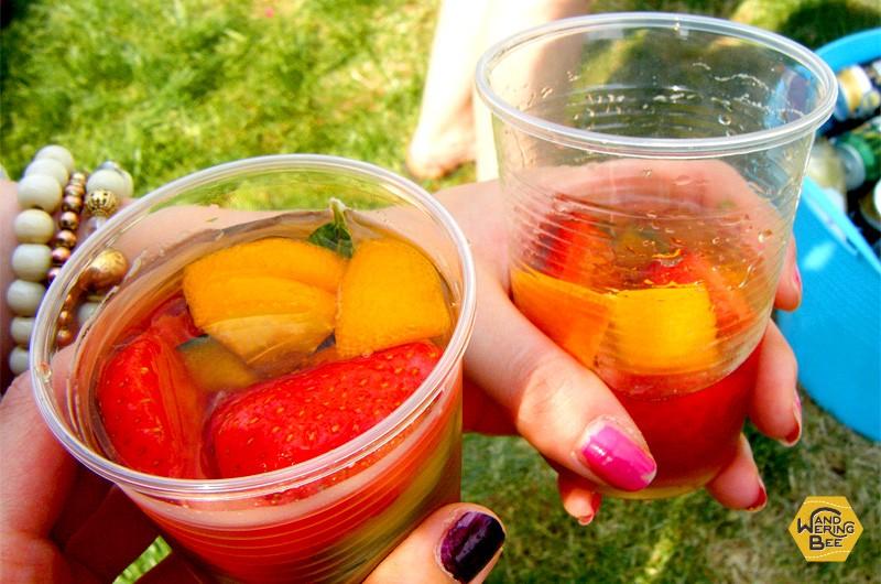 夏の日は外でのBBQと、イギリスで人気のお酒、ピムスで乾杯!