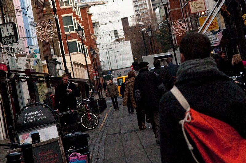 イギリスのロンドン、エンジェル駅の近くにて