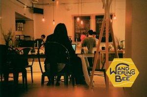 個人経営のカフェはそれぞれの個性を活かした集客をしています