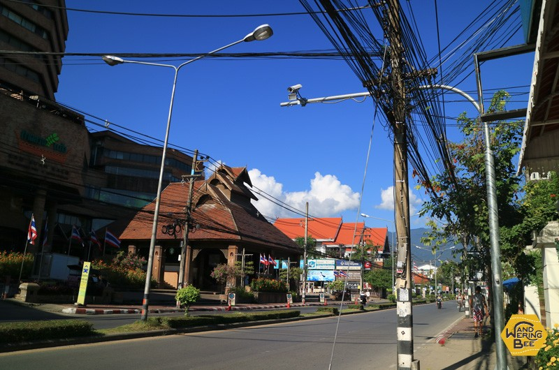 旧市街からMAYAモールへと続くホイケオ通り周辺はなにかと便利