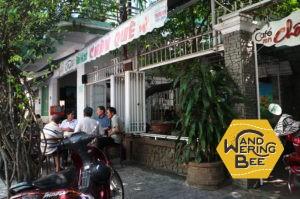 地元の人達の社交の場として使われるベトナムのローカルカフェ