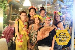 バレンシアに住むノマド達のハワイアンパーティ