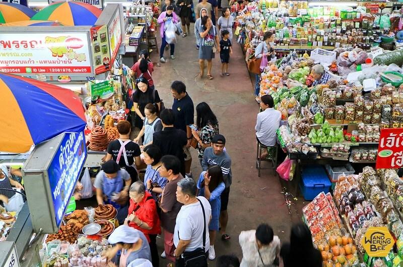 野菜や果物はローカルマーケットで購入するのが一番!
