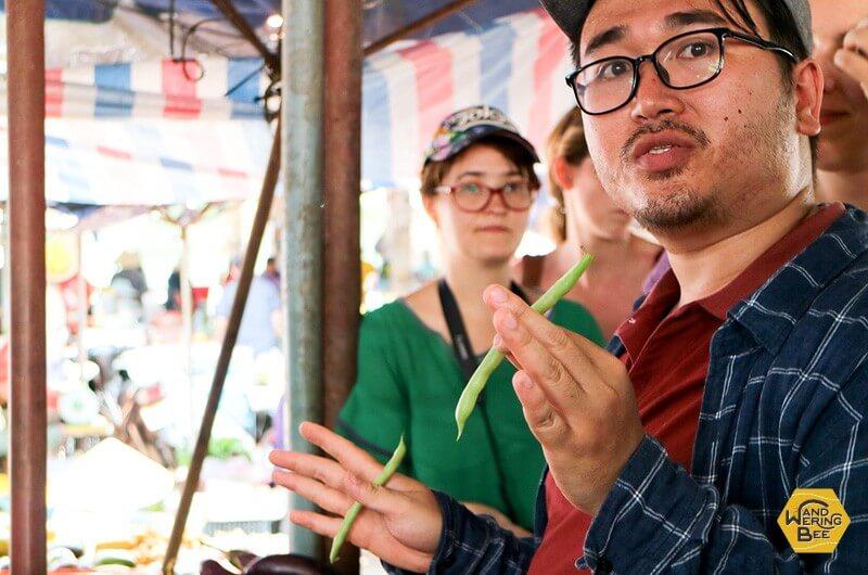クラスを引率する講師は英語の堪能なベトナム人