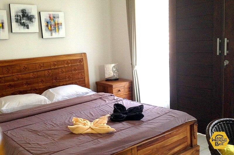 ウブド中心部のゲストハウス一室。ベランダ付きで快適!