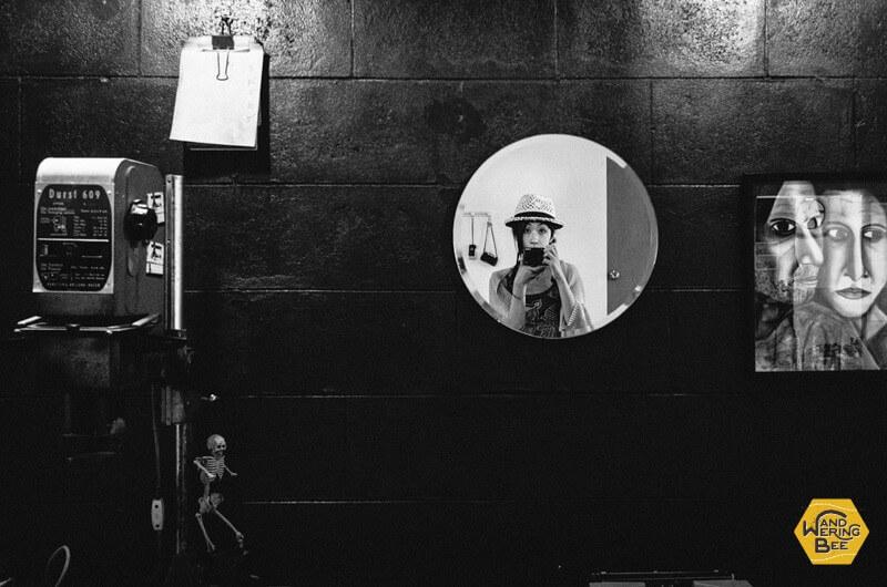 鏡にポツリと写った私