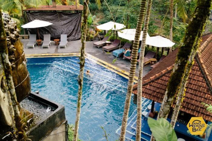 Outpostメンバーはお隣Bali Spirit Hotelの大きなプールが使用可能